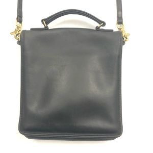 Coach Bags - Vintage Coach Leather Willis Station Crossbody